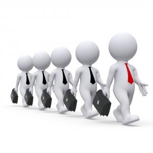 Analýza konkurence se zaměřuje na určení klíčových konkurentů dané firmy.